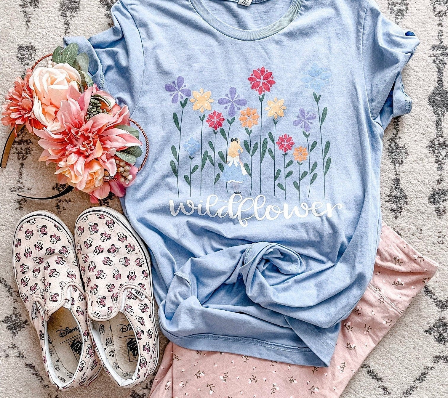 Disney Alice In Wonderland Roses Muscle Top Shirt Size Medium