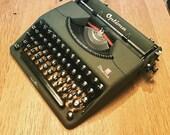 Optima Plana - 1952 - Vintage portable german typewriter
