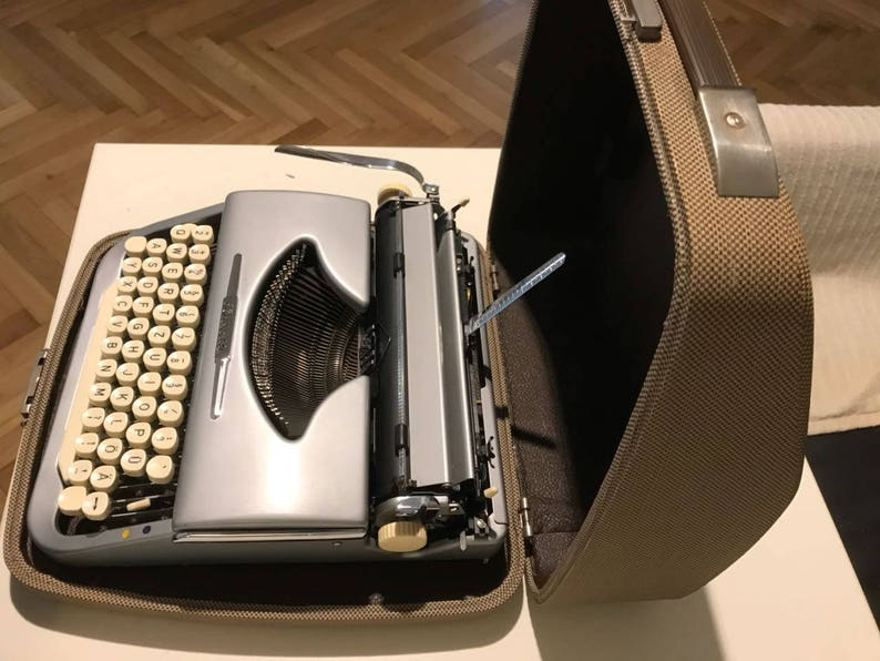 1957 Vintage portable german typewriter Brosette