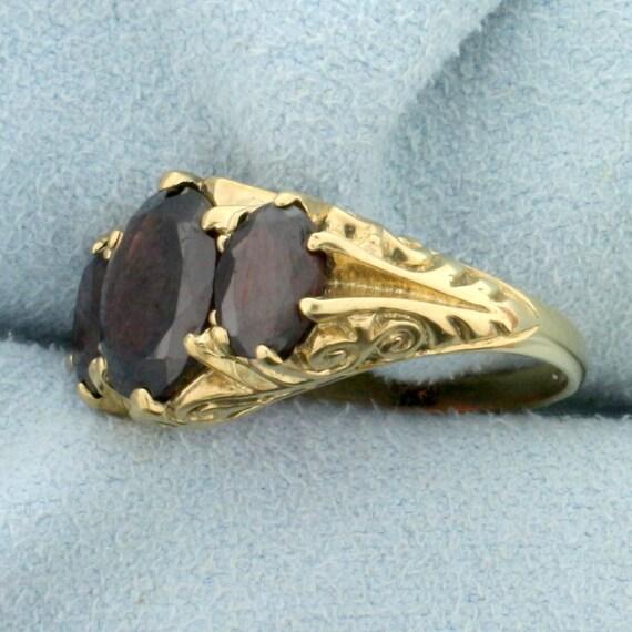 Vintage 4ct TW 3 Stone Garnet Ring in 9K Yellow G… - image 2