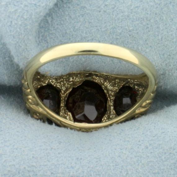 Vintage 4ct TW 3 Stone Garnet Ring in 9K Yellow G… - image 4