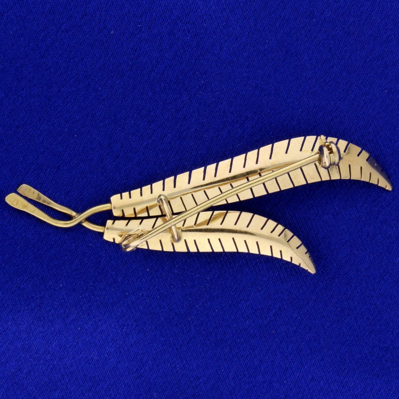 Feather Pin in 18K Yellow Gold