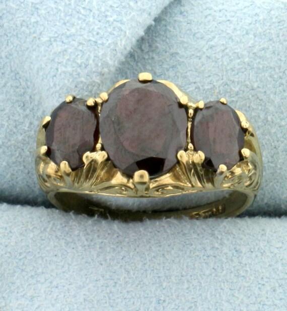 Vintage 4ct TW 3 Stone Garnet Ring in 9K Yellow G… - image 1