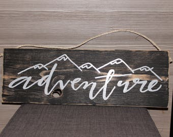 Adventure wooden frame with hemp rope