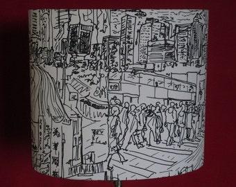 grand abat-jour ovale/ 35cm - 14in /Hong-Kong/noir et blanc/ Pierre Frey/Metropolis/imprimé/scène urbaine
