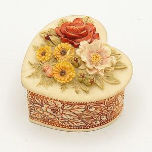 ring dish French clown rinket dish jewelry box jewellery dish jewellery storage china trinket box Vintage heart shaped jewellery box