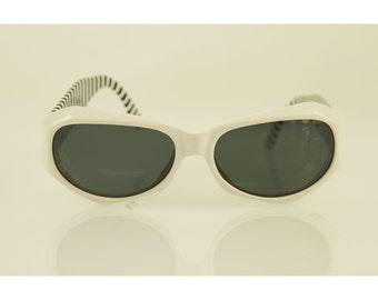 267736b3a1 Valentino Black and White Striped Gold Tone Hardware Round Framed Sunglasses