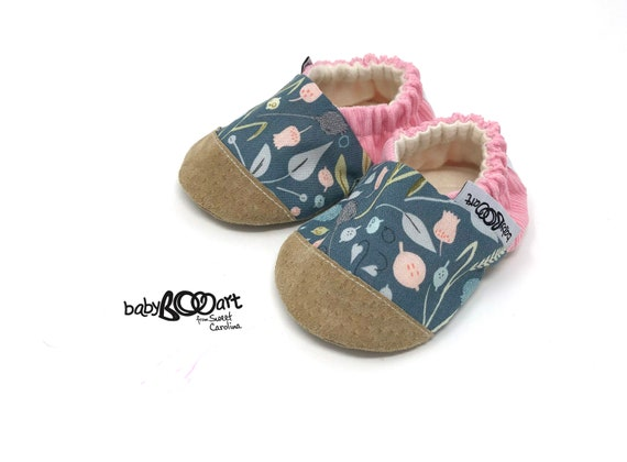 Baby girl moccasins crib shoes for girl