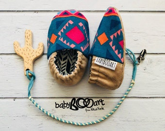 baby slippers | Prewalker shoes | baby set -Baby Moccasins+lether pacifier clip+wooden cactus | baby shoes | cactus | baby booty |aztec baby
