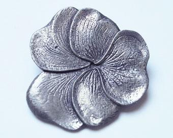 Lovely violet flower tin broche 1940s