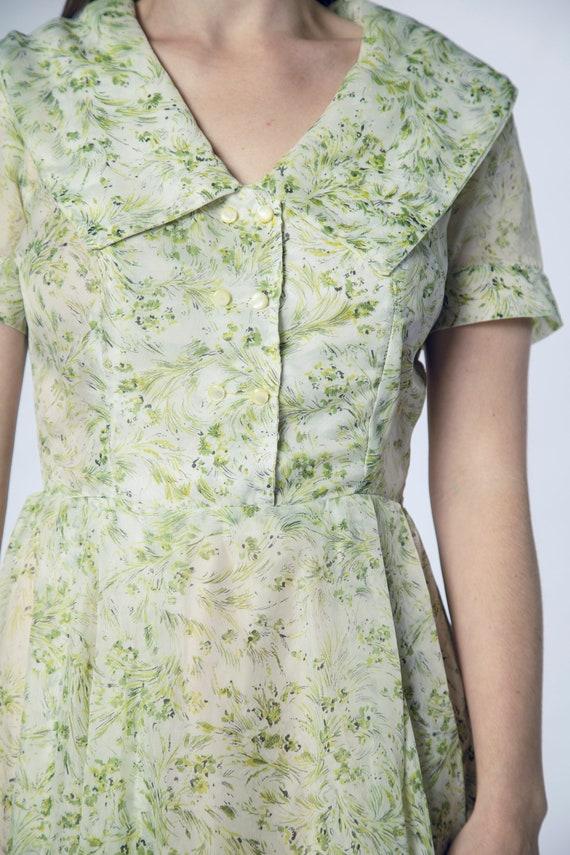 Beautiful 1950s Green Sheer Dress Foliage Flower … - image 7