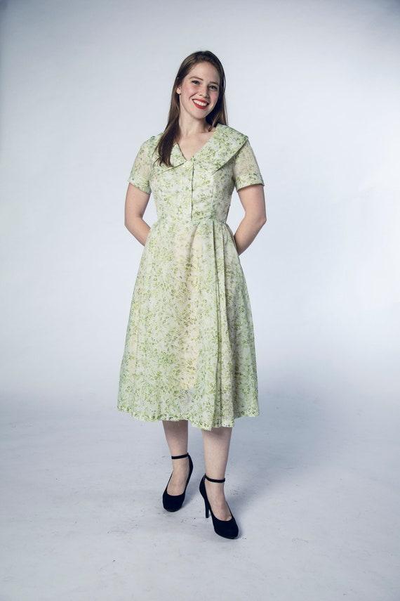 Beautiful 1950s Green Sheer Dress Foliage Flower … - image 2