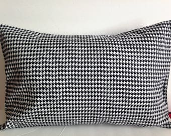 Houndstooth Decorative Pillow Cover