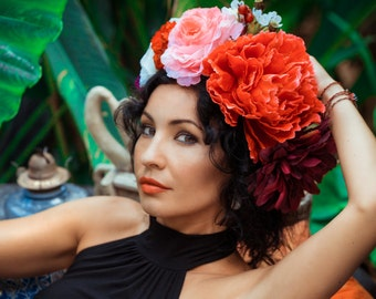 Big flower crown / floral headband / red pink  headpice / frida kalo / dolce vita / festival flowers / beauty photoshoot headpiece