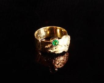 unique native, Emerald gold ring