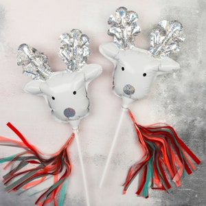 Mini Reindeer Balloon Wands Foil Festive Balloons Christmas Party Favours Christmas Decorations Festive Party Accessories 6 Pack