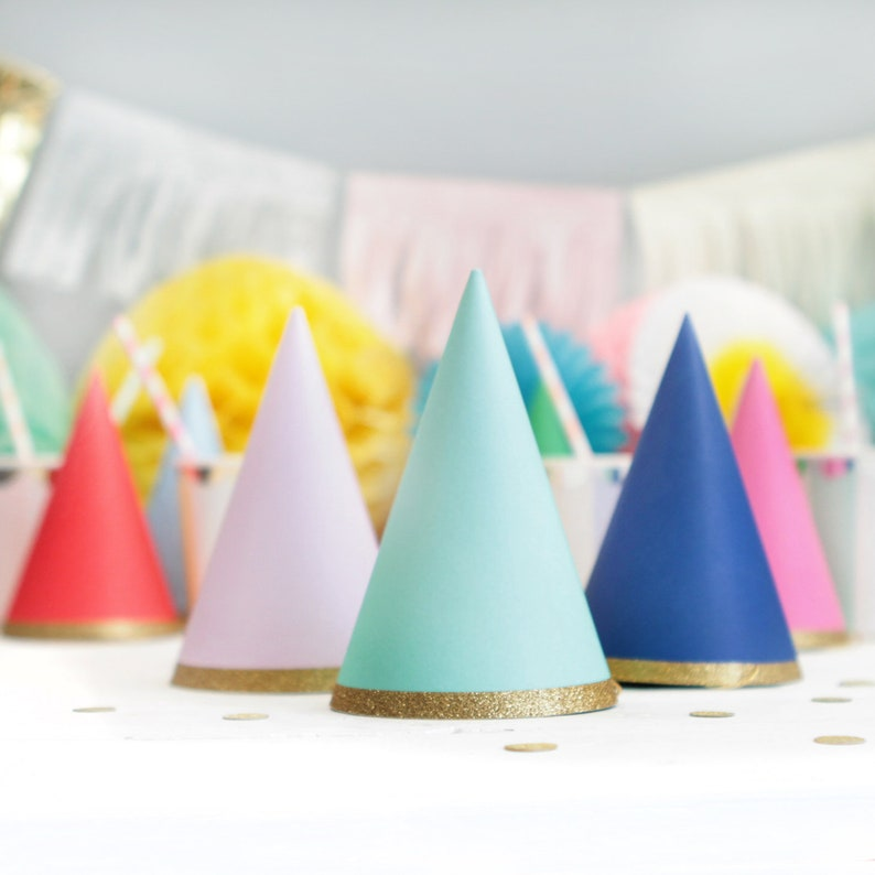 8 Pack Gold Glitter Birthday Party Hats Multicoloured Accessories Rainbow Theme Party Decorations Colourful /& Gold Party Hats