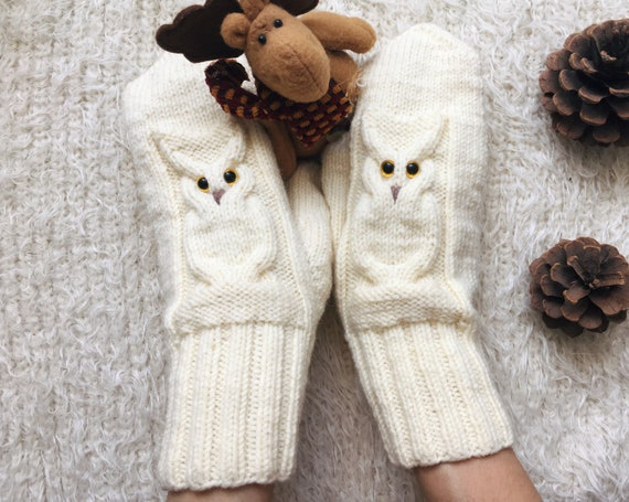Owl Knit mittens women owl lovers gift for friend Winter knit gloves Wool mitts birthday gift for sister Autumn gauntlets