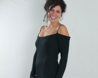long black dress, strapless plunge neck behind