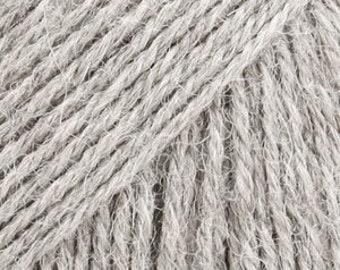 Alpaca by DROPS, a wonderful yarn made of 100% pure Alpaca superfine. The fiber is untreated