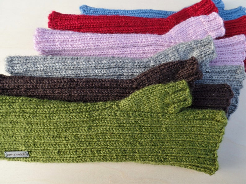 Arm cuffs Dora knitted with thumb in super wool image 0