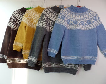 """Kids sweater """"Ursula"""" combined with natural tone fits this soft merino sweater for girls and boys equally well."""
