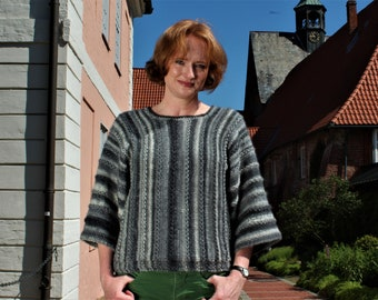 """Sweater """"Lieselotte"""" is convertible, you can wear the stripes sometimes high or crosswise. Sophisticated and knitted by Grandma Heide"""