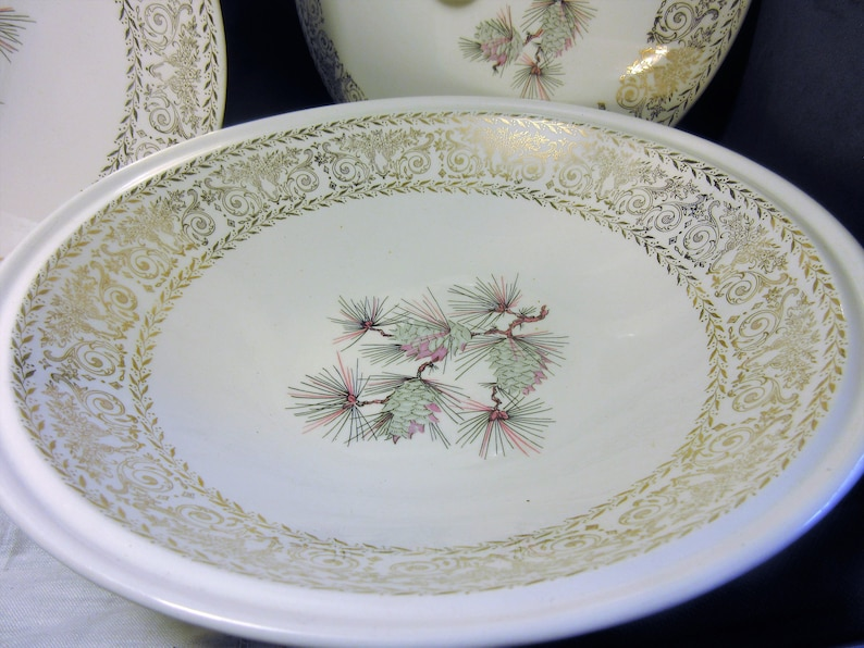 Lifetime China Co covered serving bowl and plate,1950/'s vintage cottage chic pinecone design retro kitchen madmen style Ohio