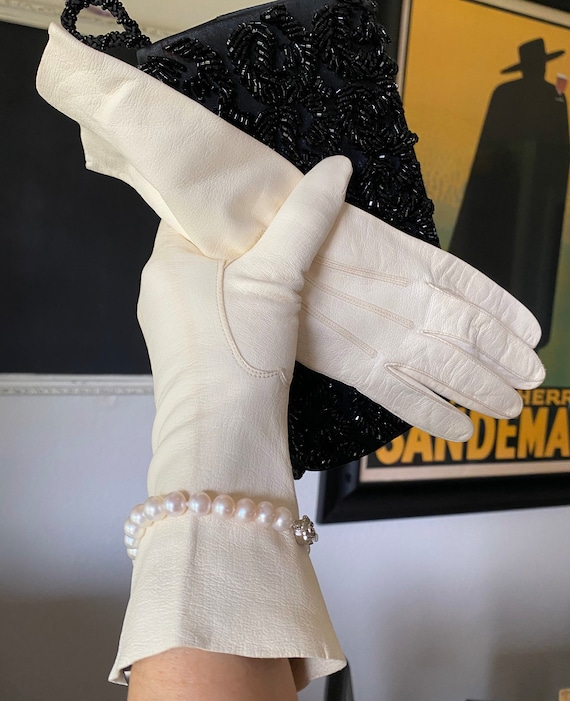 White Leather Gloves, 1950s Ivory Leather Gloves,