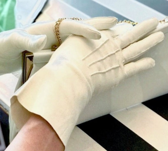 Vintage Ivory Wedding Gloves, Bridal English Doesk
