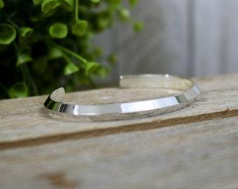 EVANESCENCE Bracelet - Sterling Silver Knife Edge Cuff Bracelet, Bright Polished Finish