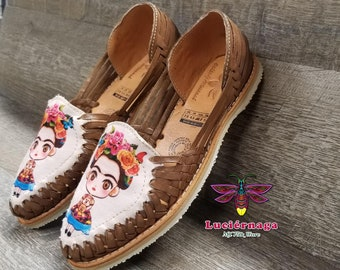 17bcddade6e Fridita Women s Brown leather sandals. Mexican huaraches.  LuciernagaMXFolkWare