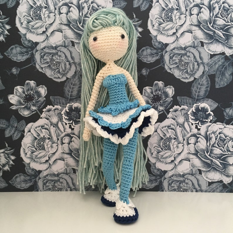 Icelyn - Winter Doll with Cape Crochet Pattern (Amigurumi Doll ... | 794x794