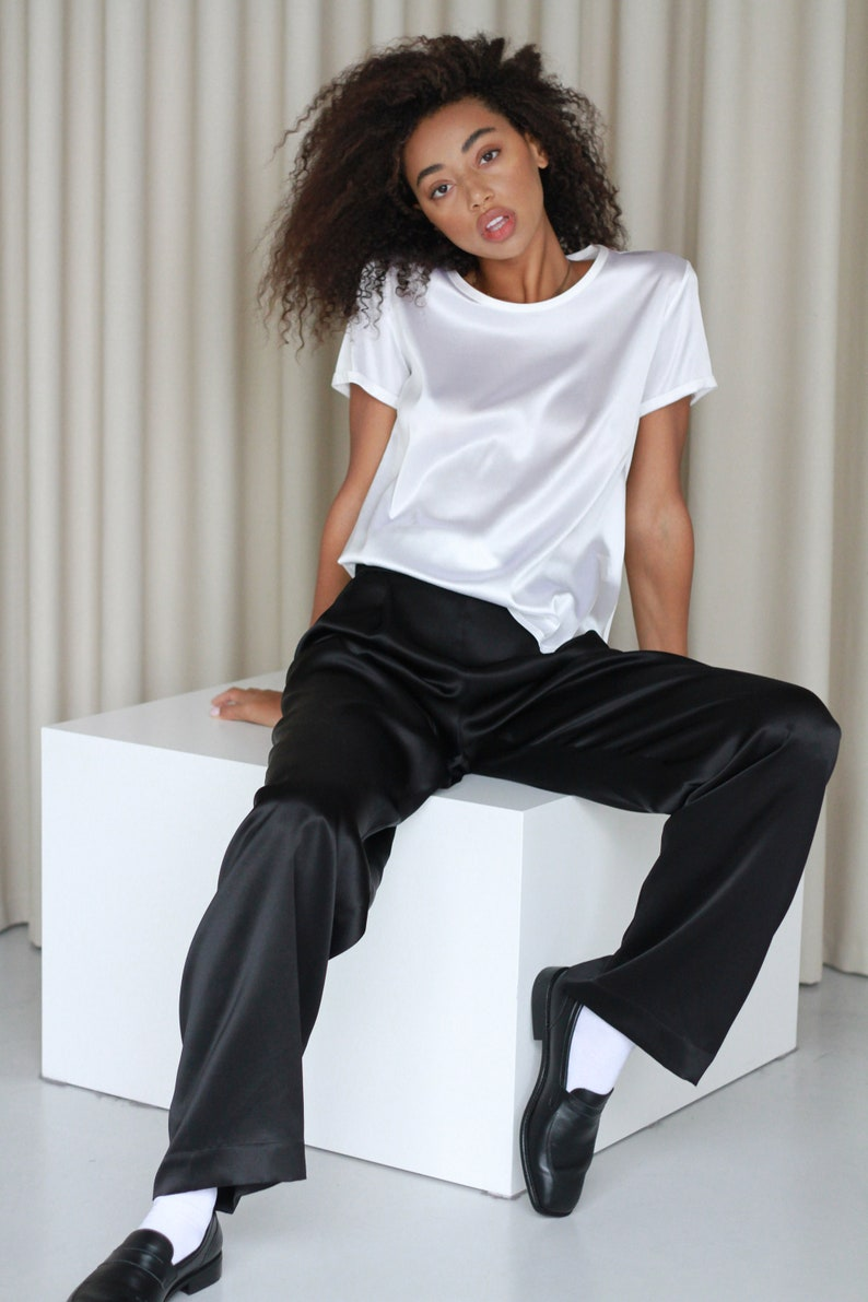 Women silk t-shirt in white stretch silk Cream silk blouse image 0