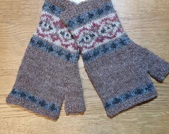 Beige hand knitted Fair Isle mittens