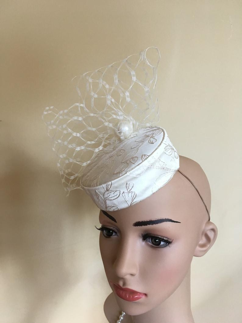 Ivory brocade wedding hat.Ivory satin pillbox.Ivory wedding hat.Ivory brides hat.Ivory wedding hats.ivory pillbox hat.Wedding hats.Pillbox.