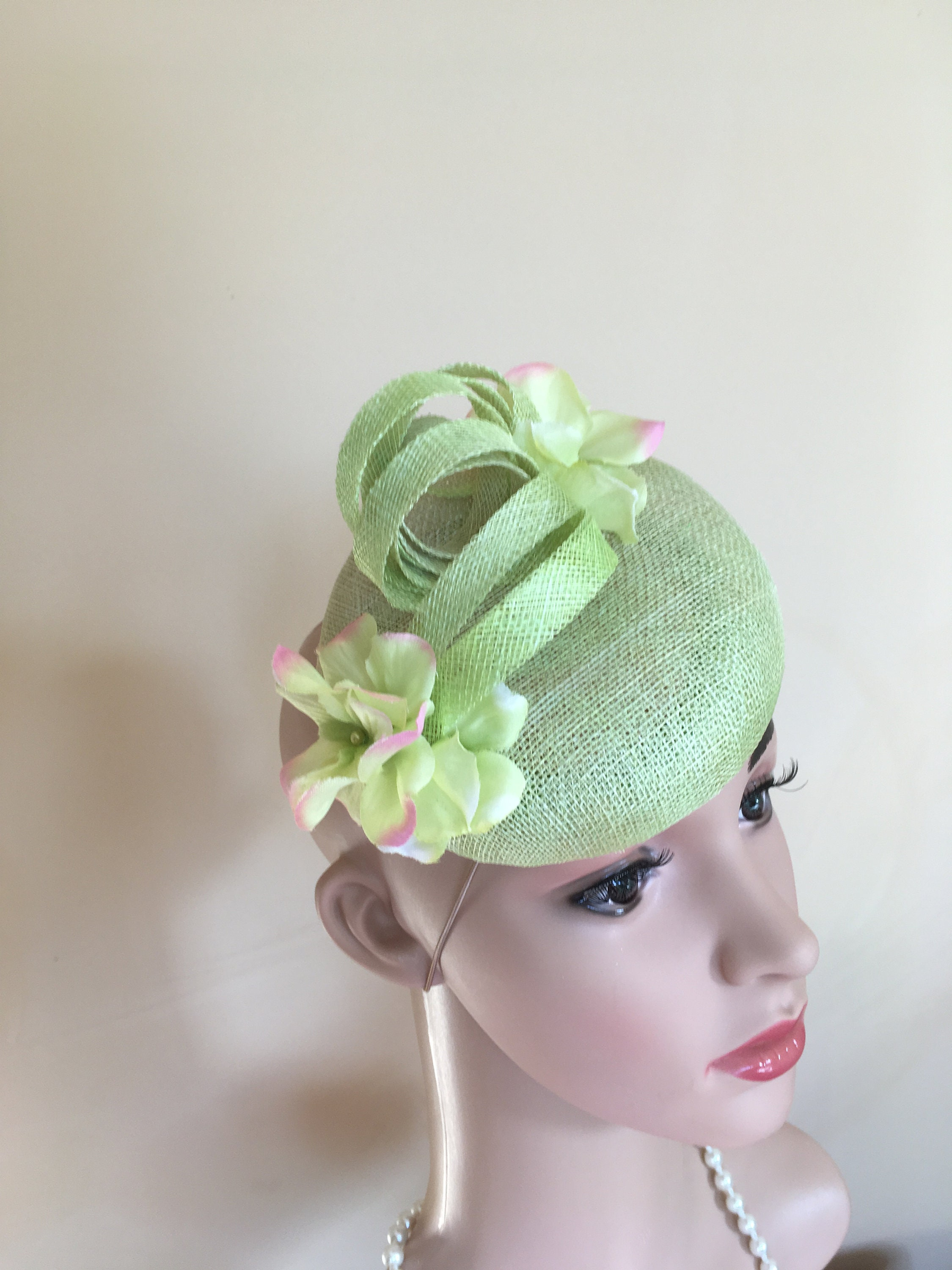 Lime green pillbox hat.Wedding hat green.Green hat.Ascot  a9f05bfd264