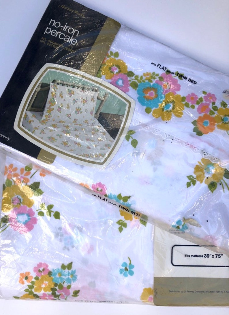NOS JC Penney/'s Pink and Yellow Twin Fitted and Flat Floral Sheet Set