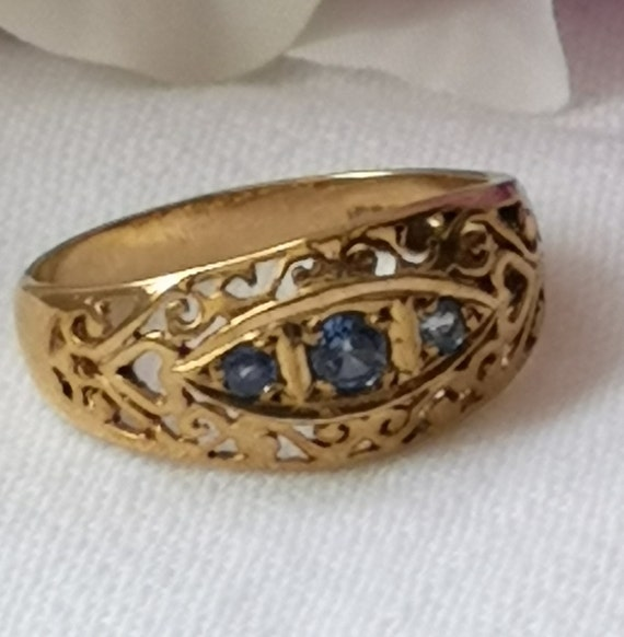 Vintage 9ct Yellow Gold Triple Sapphire Bypass Ring