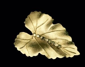 40's Gold and Rhinestone Leaf Brooch    VG2440
