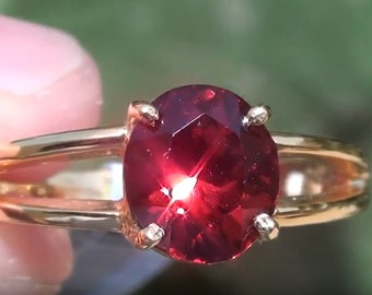 Garnet 2.29ct 18ct Solid Yellow Gold Ring,Malaya,Oval,2nd Wedding Anniversary,January Birthstone,VVS Clarity,Payment Plan,Aquarius Zodiac Ge