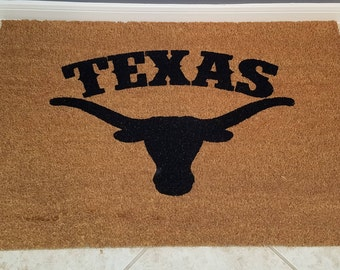 Door Mats / Welcome Mat / Custom Doormat / Longhorns / College Sports / Gifts for Him / Gifts for Boyfriend / Gifts for Her / Hook em Horns