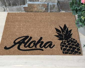 Aloha Doormat / Welcome Mat / Custom Doormat / Pineapple Doormat / Summer Fun / Gift ideas / Gifts for Her / Gifts for Him / Tropical Gift