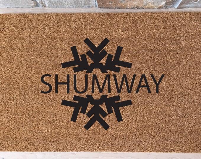 Snowflake Doormat / Welcome Mat / Custom Doormat / Personalized Doormat / Funny Doormat / Housewarming Gifts / Winter Family Name Mat