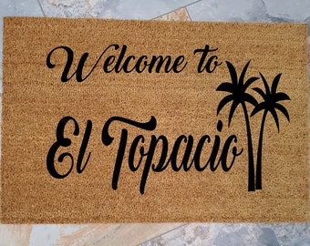 Resort Door Mat / Personalized Doormat / Tropical Welcome Mat / Custom Doormat / Palm Tree / Gifts for Dad / Gifts for Mom / Gift for Friend