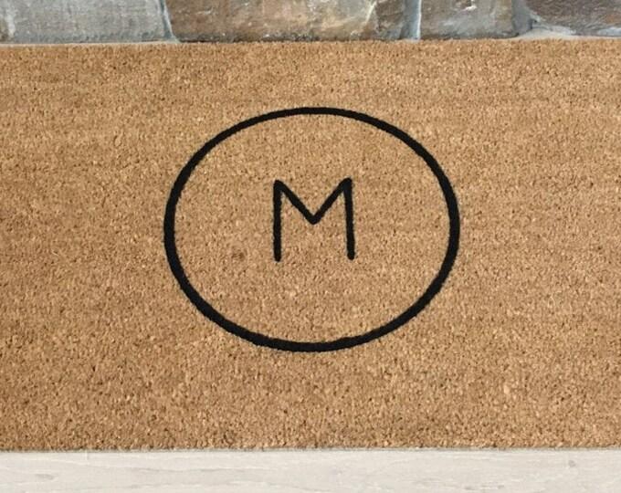 Circle Monogram Doormat / Personalized Doormat / Monogram Doormat / Welcome Mat / Custom Doormat / Gifts for Family / Classic Door Mat