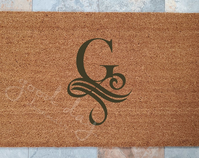 Vintage Monogram Doormat / Custom Doormat / Welcome Mat / Doormats / Housewarming Gift / Gift for Friend / Family Gift Ideas / Doormat