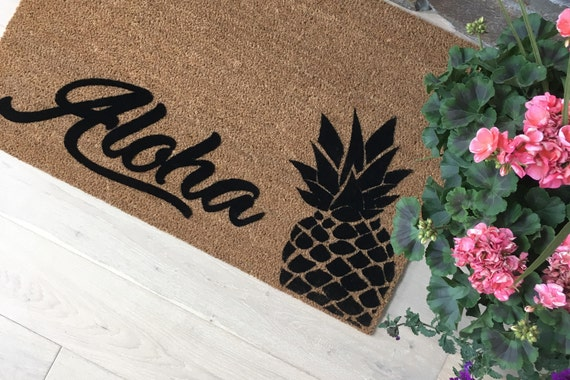 Aloha Doormat / Welcome Mat / Custom Doormat / Pineapple Doormat / Summer Fun / Gift ideas / Gifts for Her / Gifts for Him / Tropical Gift