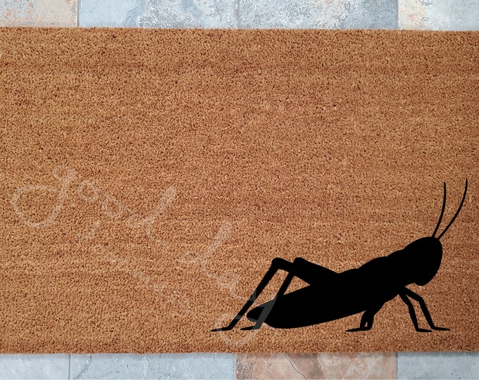 Grasshopper Doormat / Spring Door Mat / Custom Doormat / Cute Home Decor / Garden Lover Gifts / Welcome Mat / Garden Decor / Grasshopper