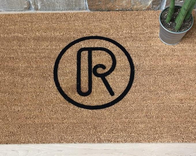 Circle Retro Monogram Doormat / Custom Doormat / Welcome Mat / Personalized Doormat / Personalized Gift / Unique Gift Idea / Gifts for Him